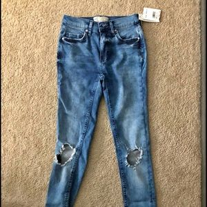 NWT Free People Skinny Ripped Jeans